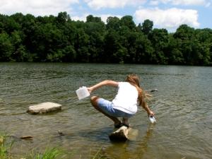 M catching stuff at lake